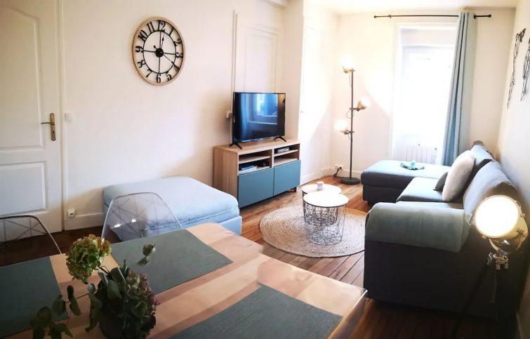 Charmant appartement cosy face aux thermes. - Airbnb Volcans d'Auvergne