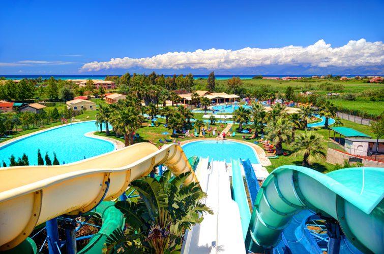 Aqualand Water Park et le golf d'Ermones