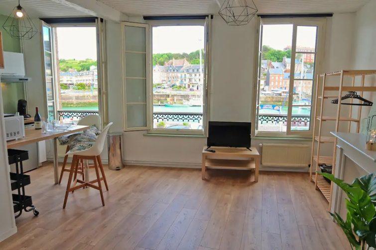 Grand studio lumineux avec vue sur le port airbnb Saint-Valery-en-Caux