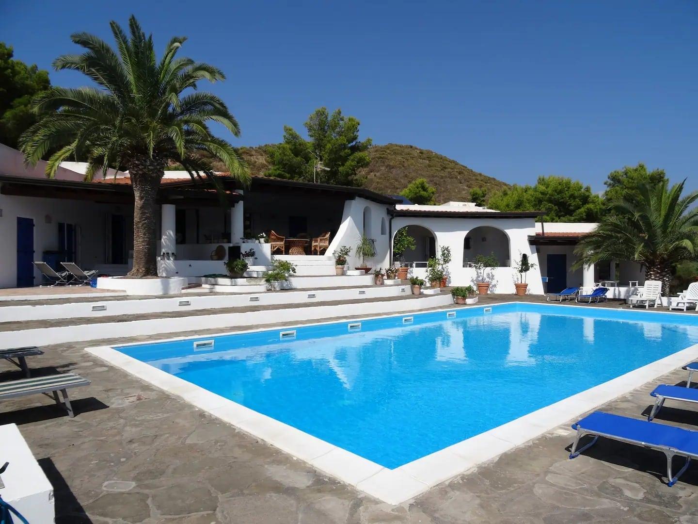 Maison éolienne incroyable avec piscine