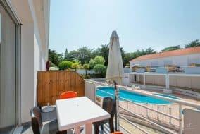 Résidence privée avec piscine