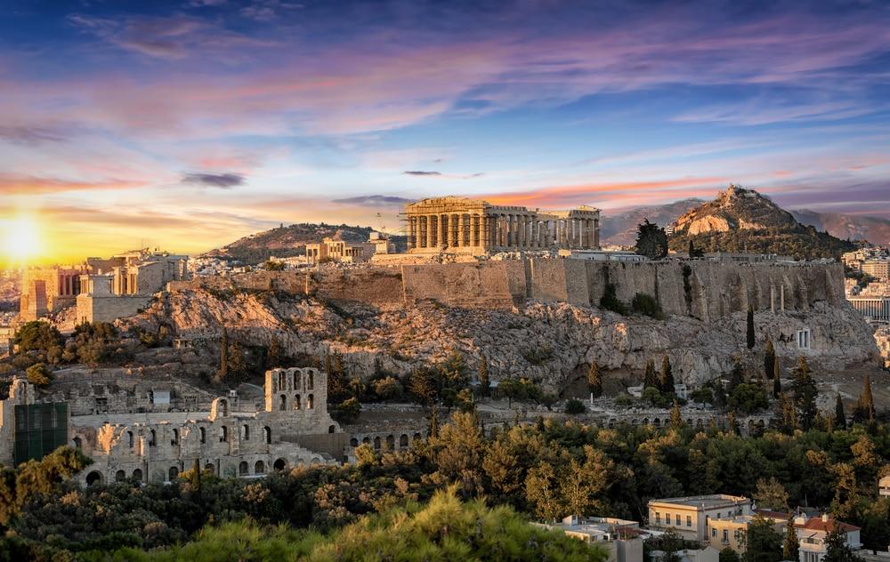 Le temple du Parthénon à l'Acropole d'Athènes, Grèce, au coucher du soleil
