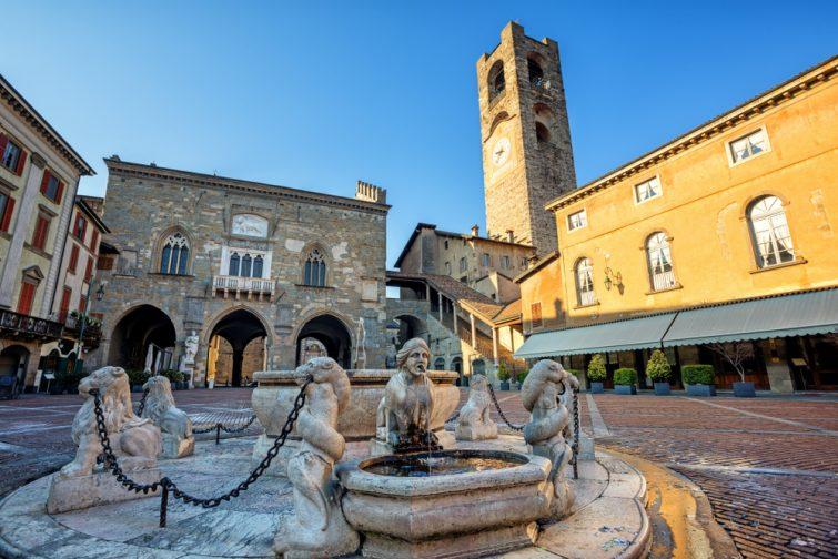 Bergame : Piazza Vecchia - Palazzo della Ragione