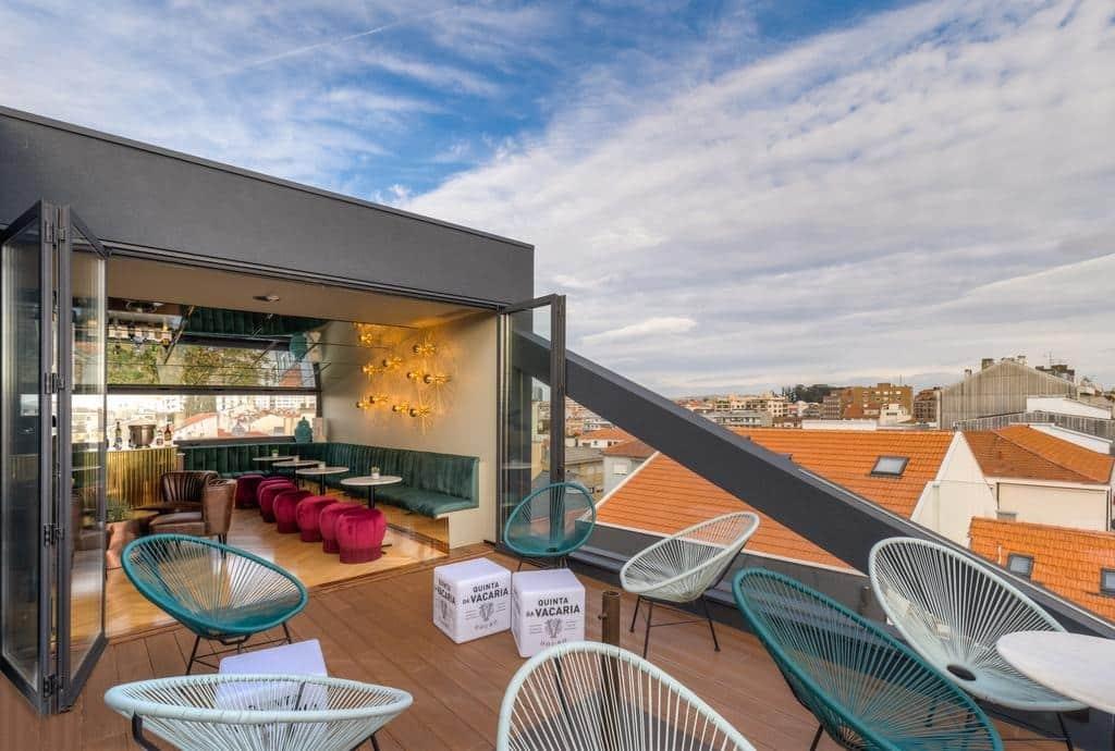 Jolie hôtel avec terrasse au Portugal