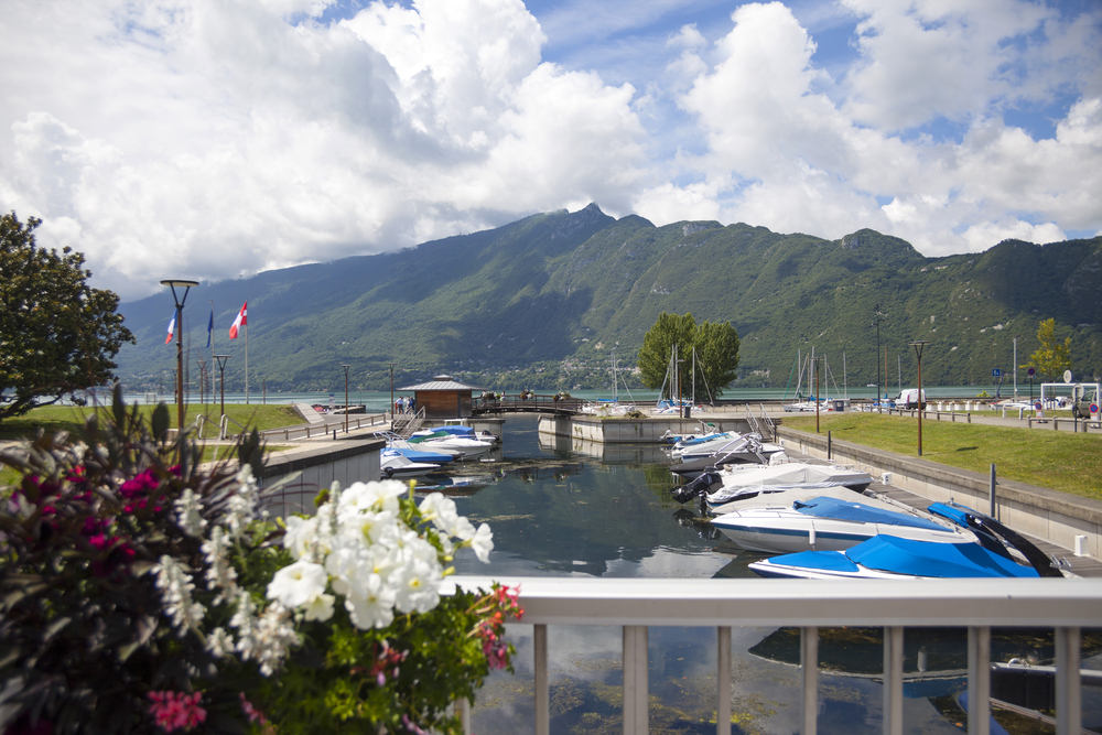 Comment louer un bateau à Aix-les-Bains ?