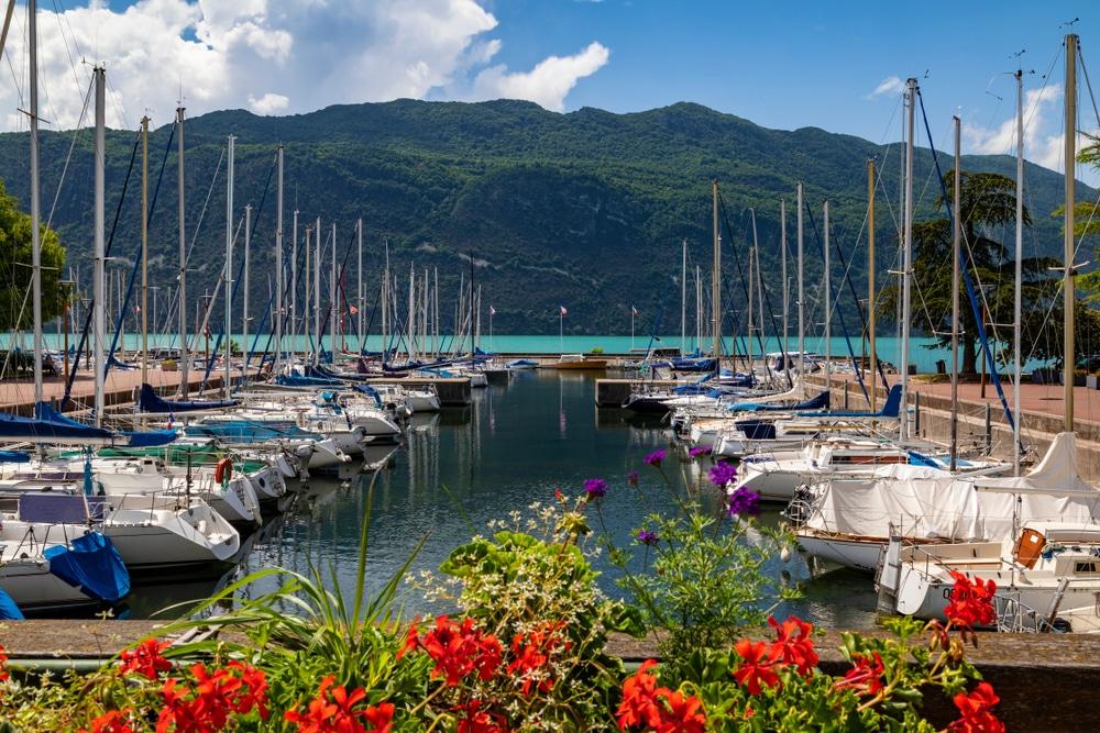 Quel bateau louer à Aix-les-Bains ?