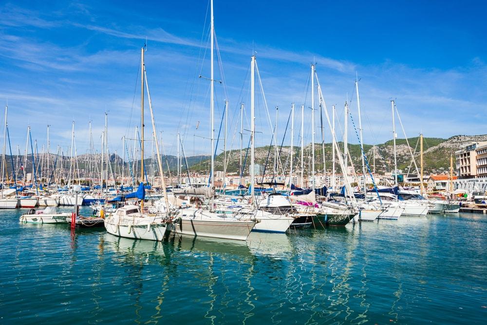 Comment louer un bateau à Toulon ?