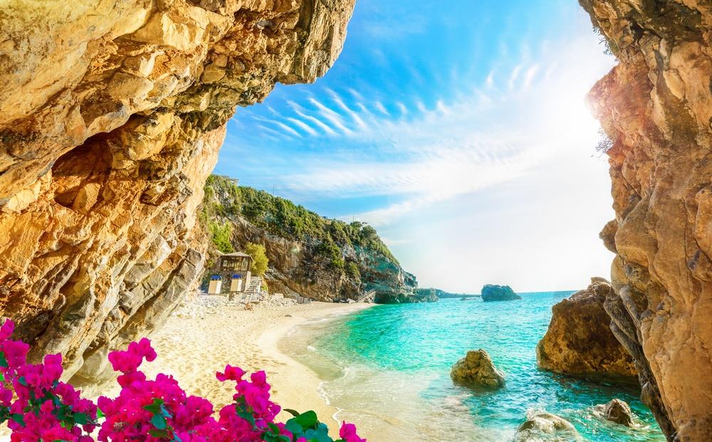Belle vue sur la plage de l'île de Corfou, Pelion, Mylopotamos, Grèce