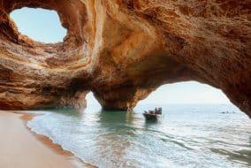 Visiter les grottes de Benagil, le joyau de l'Algarve