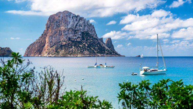 Comment louer un bateau à Ibiza ?