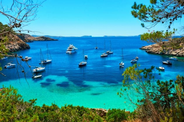 Location de bateau à Ibiza : comment faire et où ?