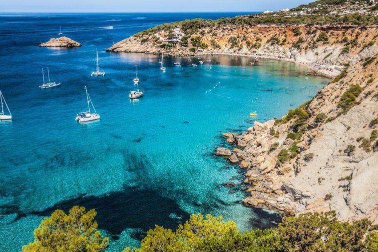 Quel type de bateau louer à Ibiza ?