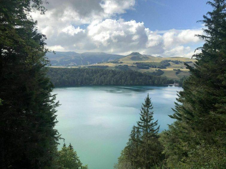 Le Puy de Montchal et le lac Pavin