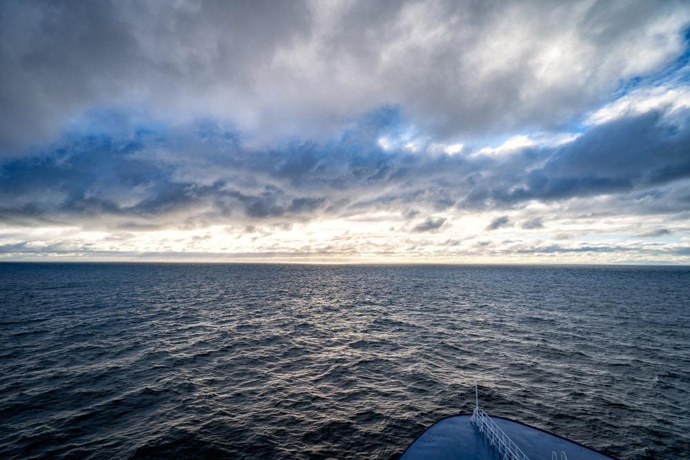L'horizon s'obscurcit