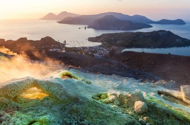 Visiter Vulcano dans les îles Éoliennes, la magie des volcans