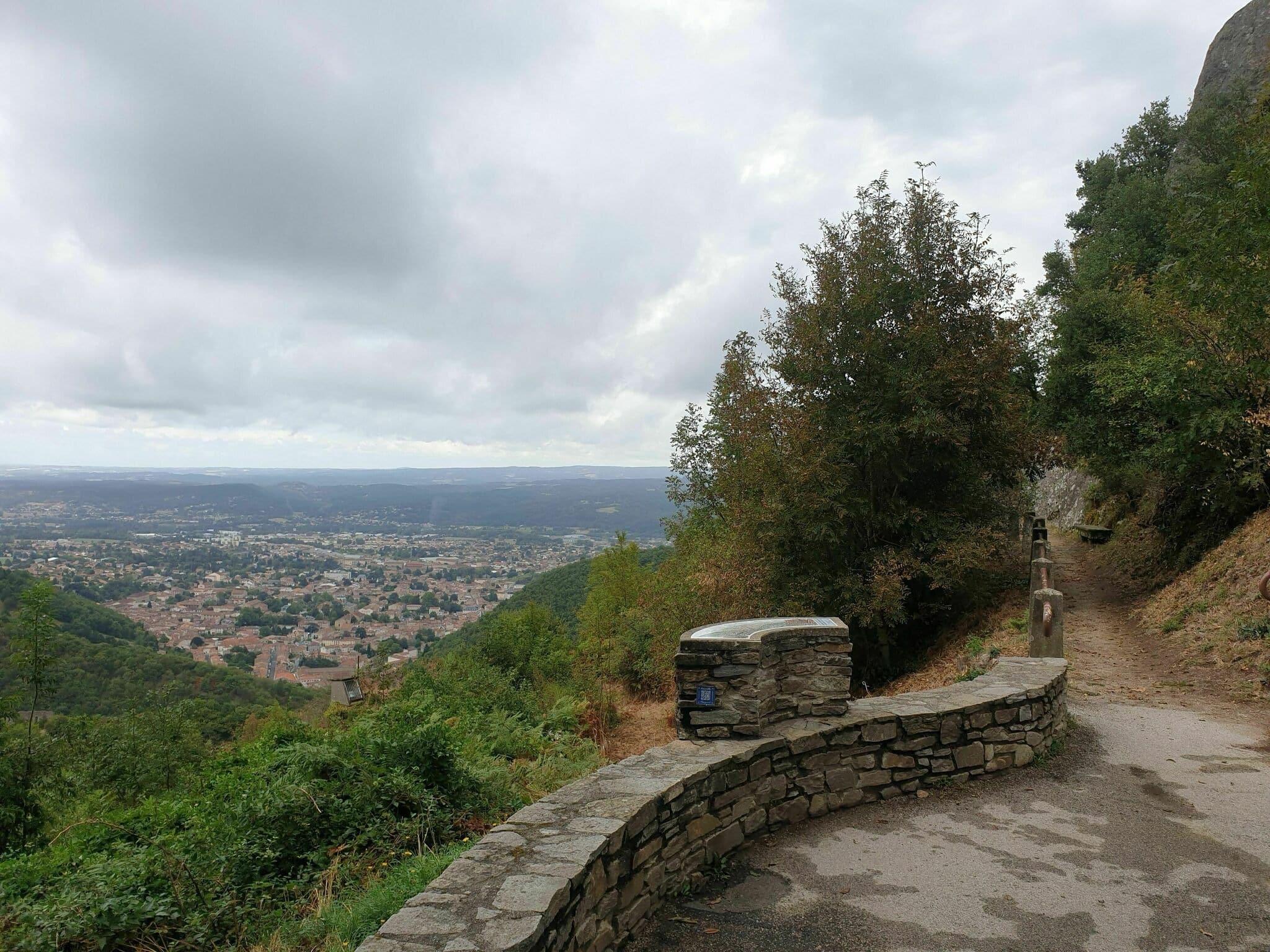 Randonnée Tarn : Traversée d'Hautpoul à la passerelle de Mazamet