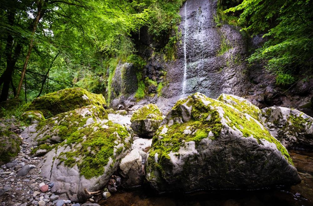 Le sentier des cascades d'Arifat