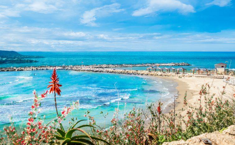 Hilton,Bay,Beach