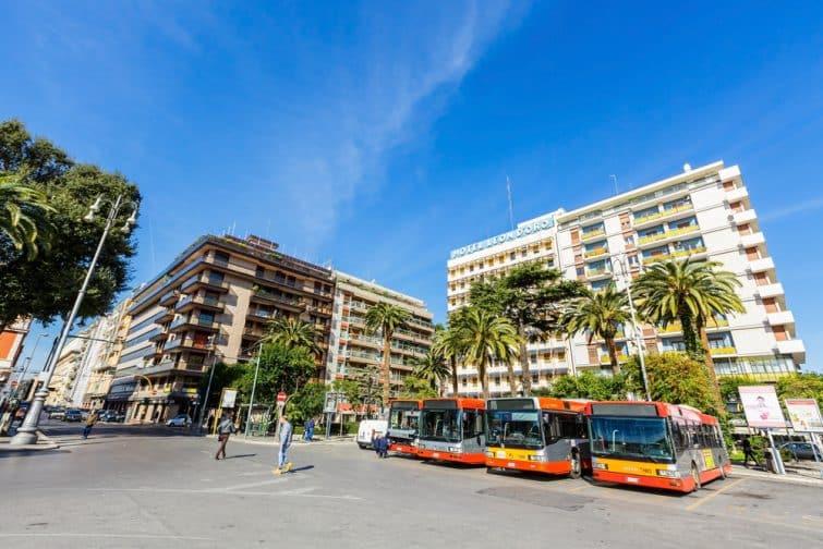 Transfert entre l'aéroport de Bari et le centre : en bus