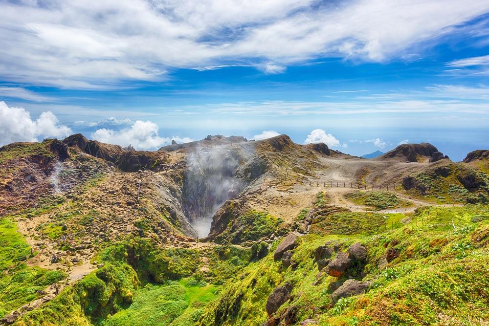 Visiter le Volcan de La Soufrière : son Histoire