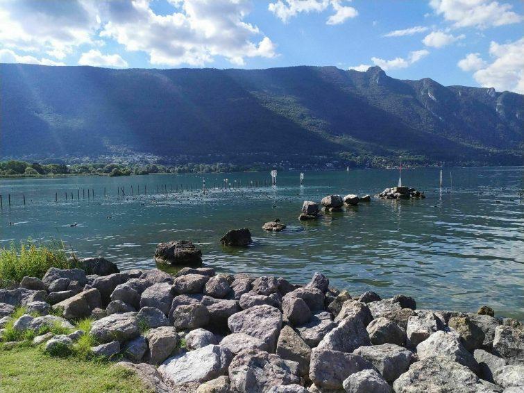 Le chemin lacustre du lac du Bourget randonnees aix les bains