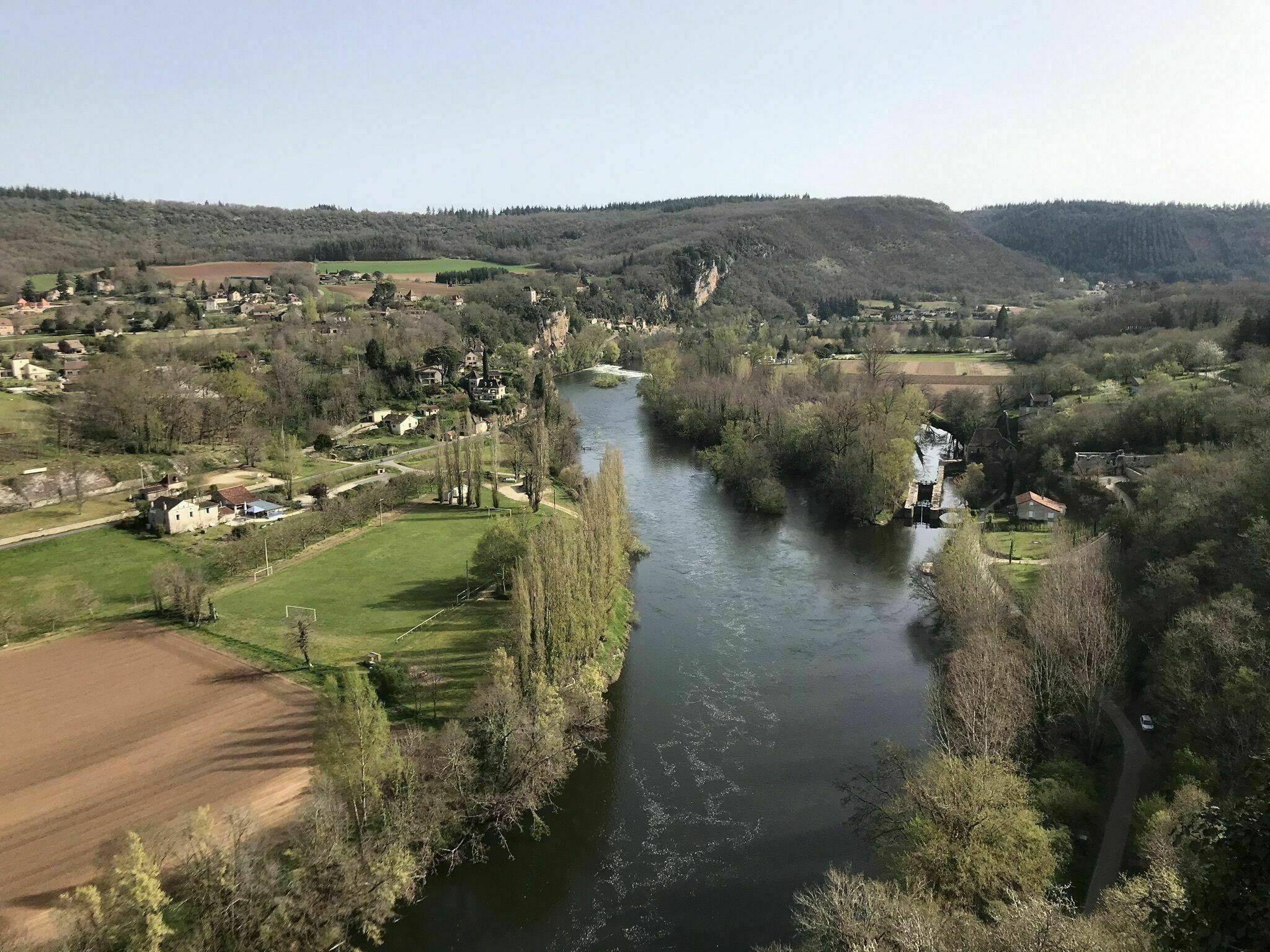 Les berges du Lot depuis Saint-Cirq-Lapopie