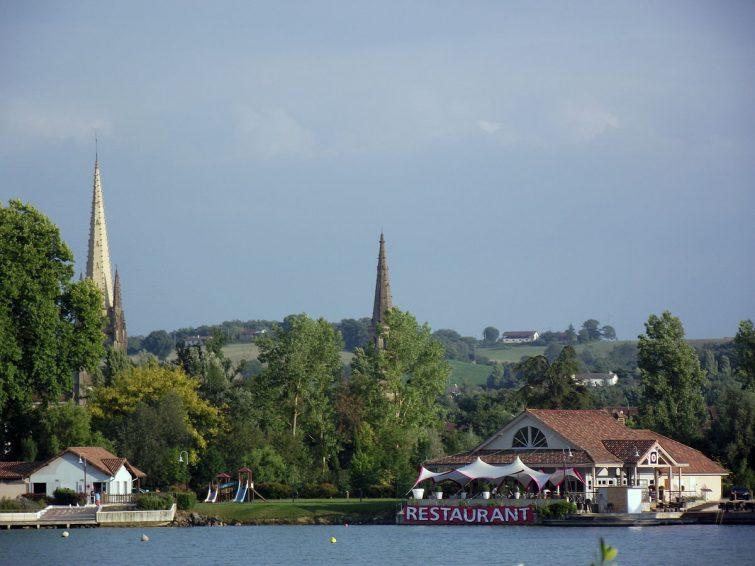 Marciac vue de son lac, Gers, France