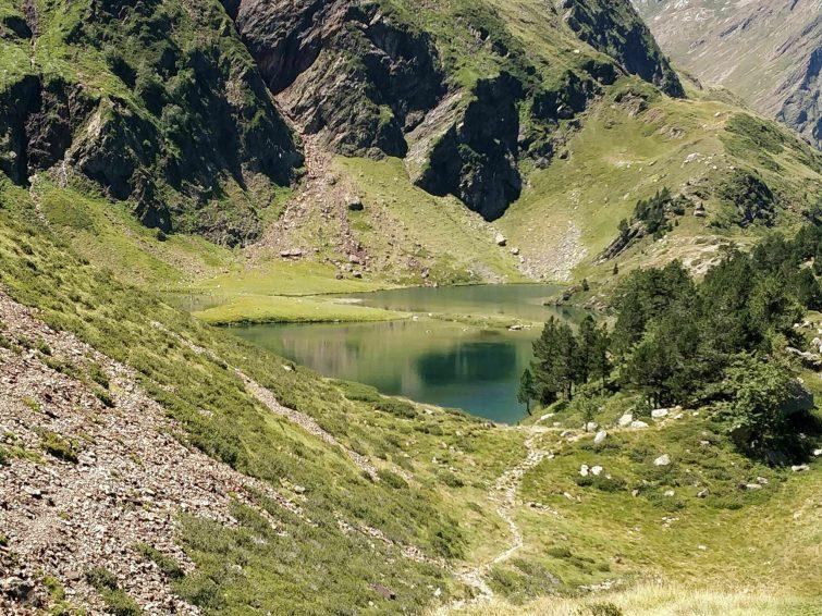 Πεζοπορία στην πράσινη λίμνη Bagneres-de-luchon