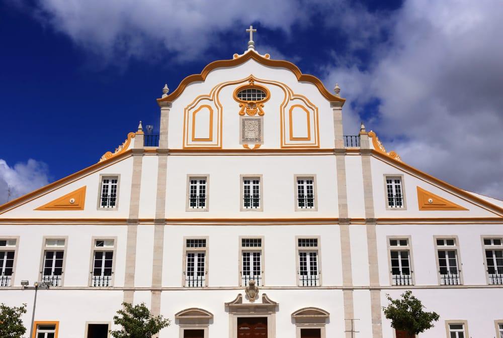 Visiter Portimao : L'église et le collège des Jésuites