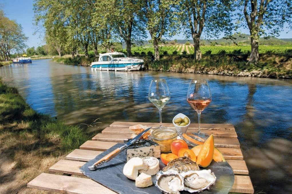 Location de bateau sans permis : Pour une mini-semaine : l'escale viticole