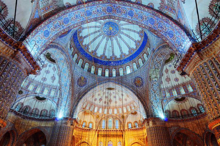 Existe-t-il des visites guidées de la Mosquée Bleue ?