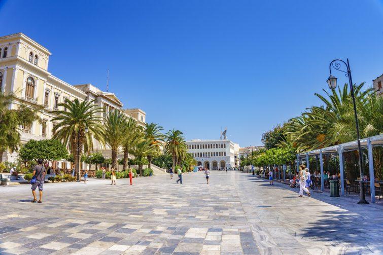 Place Miaouli à Ermoupolis