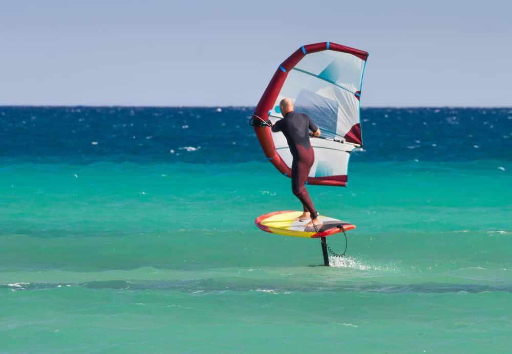 Le wingfoil - sports nautiques