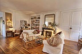 Appartement type parisien, charme, plein centre