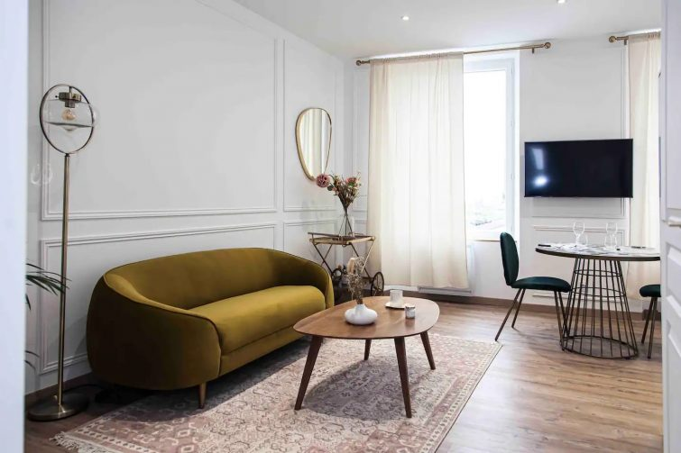 Le Contemporain 40 - Chic et élégant appartement Airbnb à Châteauroux