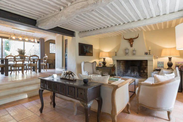 Maison rénovée du 18e - hameau paisible de airbnb à Gordes