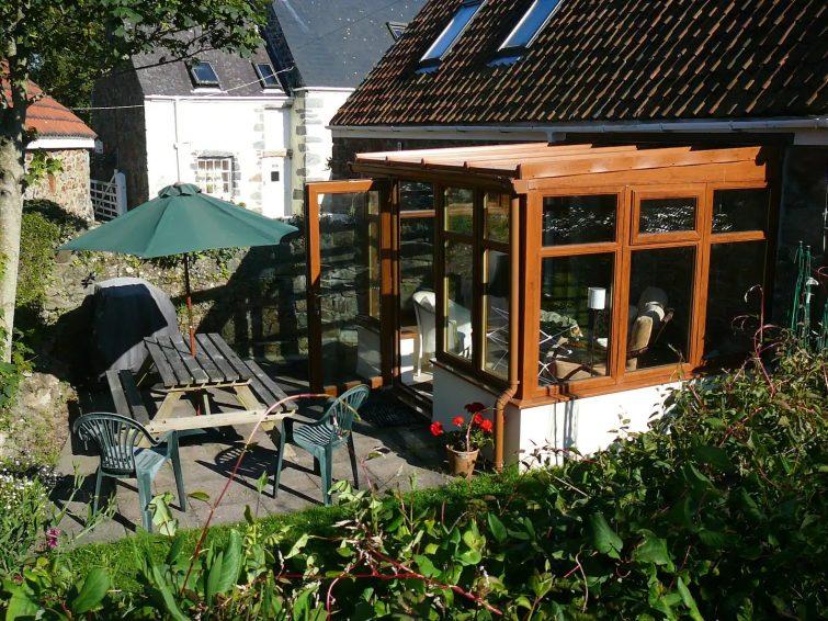 Geranium Cottage, Les Buttes Holiday Cottages