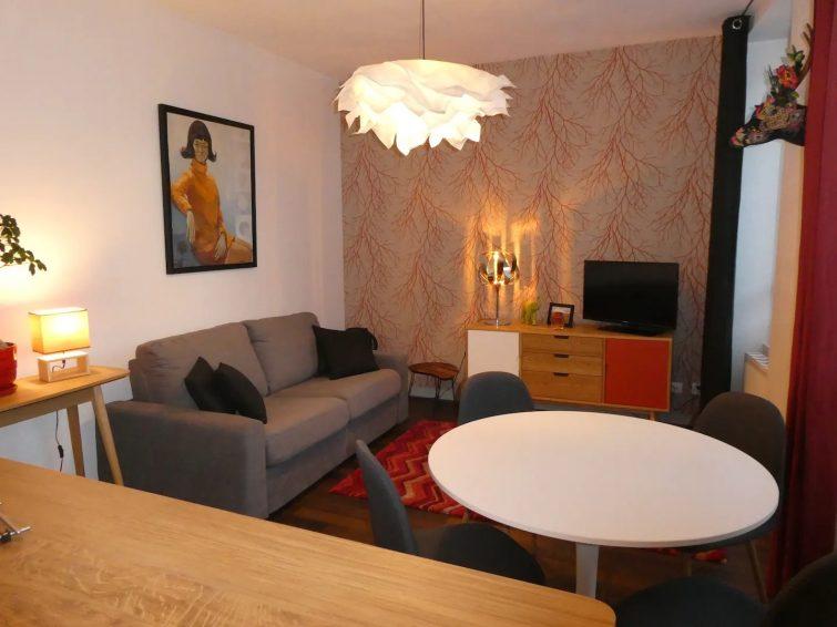 Airbnb à Montluçon Charmant F2 Vieille ville - Parking priv - 2 pers.