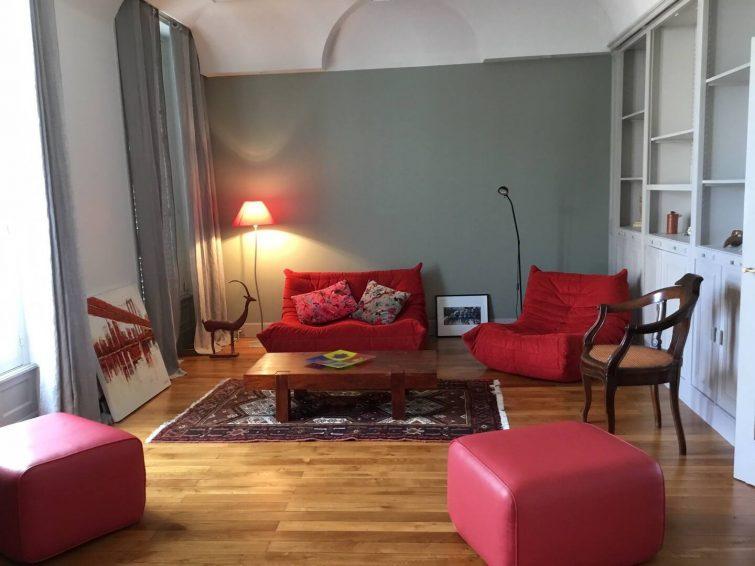 Airbnb à Montluçon Appt cosy 100 m2 refait à neuf plein centre ville