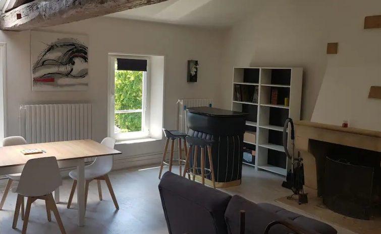 Charmant studio avec mezzanine centre ville verdun Airbnb à Verdun