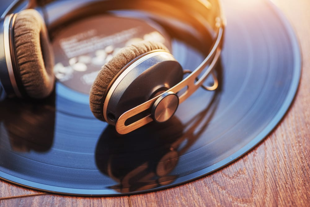Tips for learning English: Listening to music in English