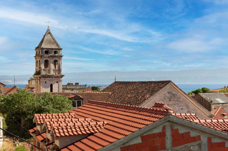La visite des églises d'Omis