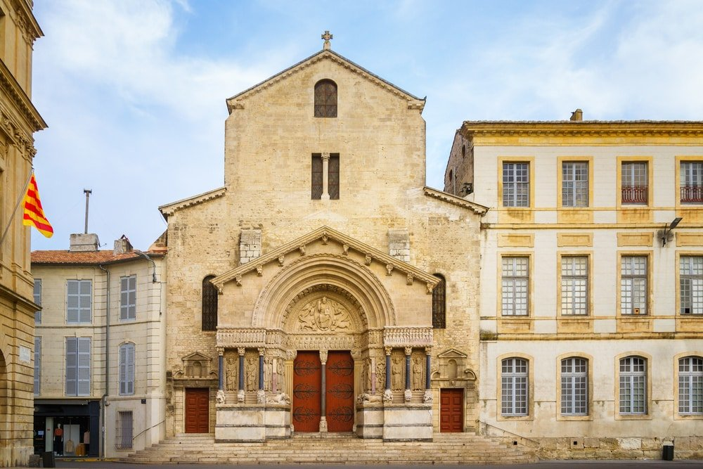 Visiter Arles : cathédrale Saint-Trophime