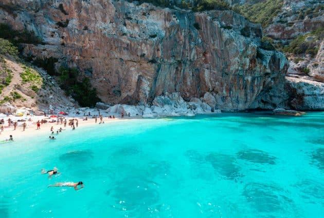 Les 8 meilleurs spots où faire de la plongée et du snorkeling en Sardaigne