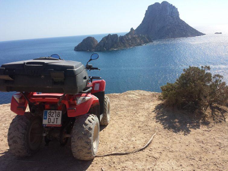 Sesión de quad en Ibiza