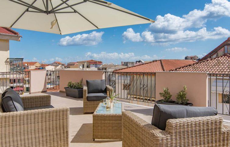 Appartement avec une grande terrasse