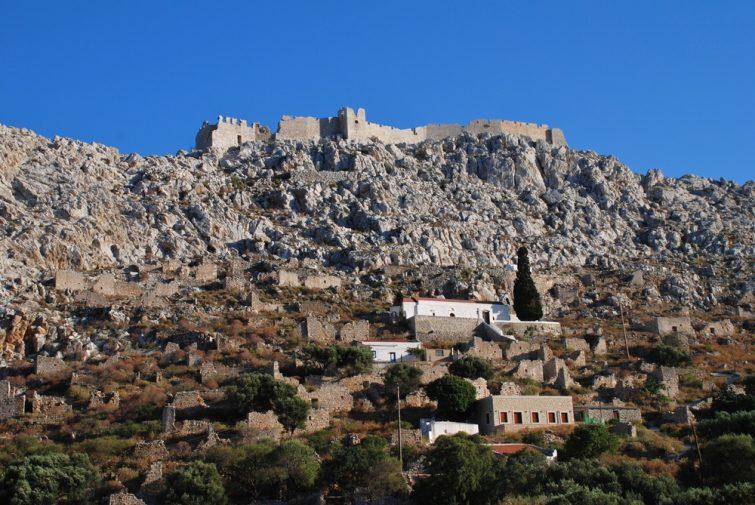 Le village de Chorio et son château médiéval