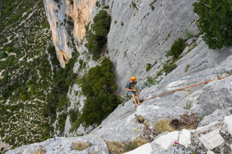 Cours d'escalade dans les Gorges du Verdon