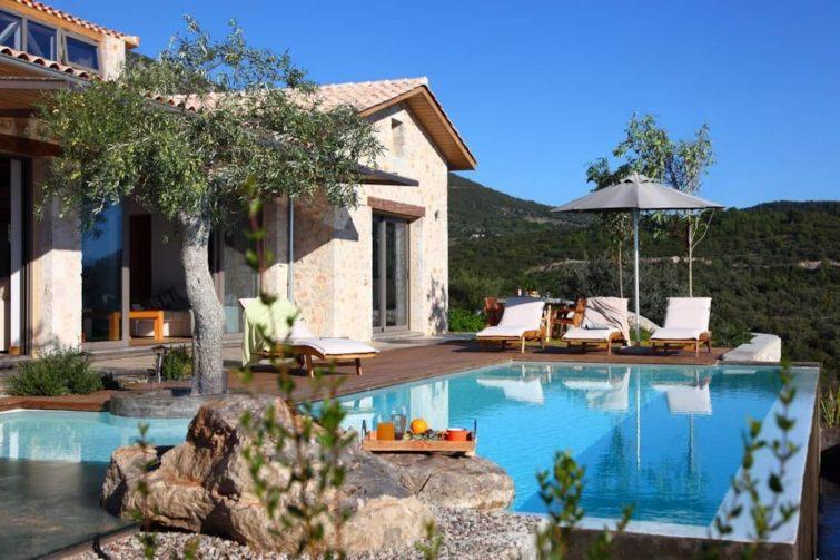 Maison de campagne de luxe avec vue panoramique