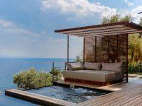 Villa d'architecte surplombant la mer